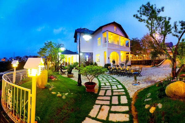 Một dạng kinh doanh dịch vụ về chỗ nghỉ ngơi khá mới là thuê Villa