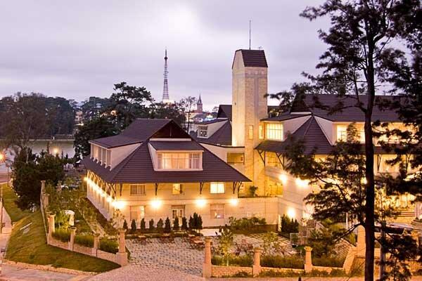 Đà Lạt là nơi sở hữu rất nhiều khách sạn độc đáo, lãng mạn